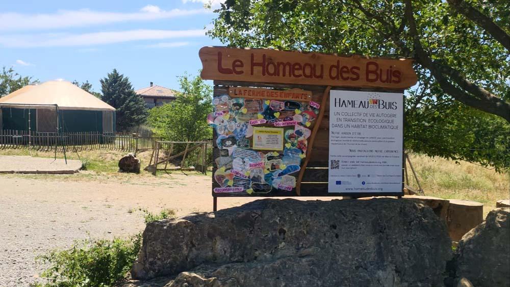 Entrance Hameau Buis